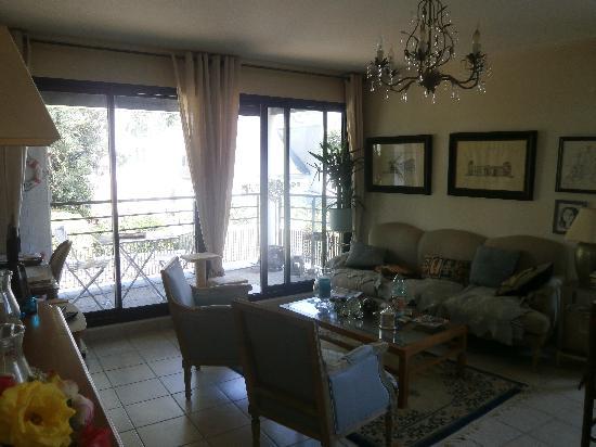 a vendre appartement pont l 39 abbe urgent a saisir centre ville. Black Bedroom Furniture Sets. Home Design Ideas